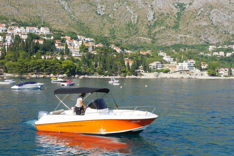 Dubrovnik Boat Rentals boat in Srebreno harbour